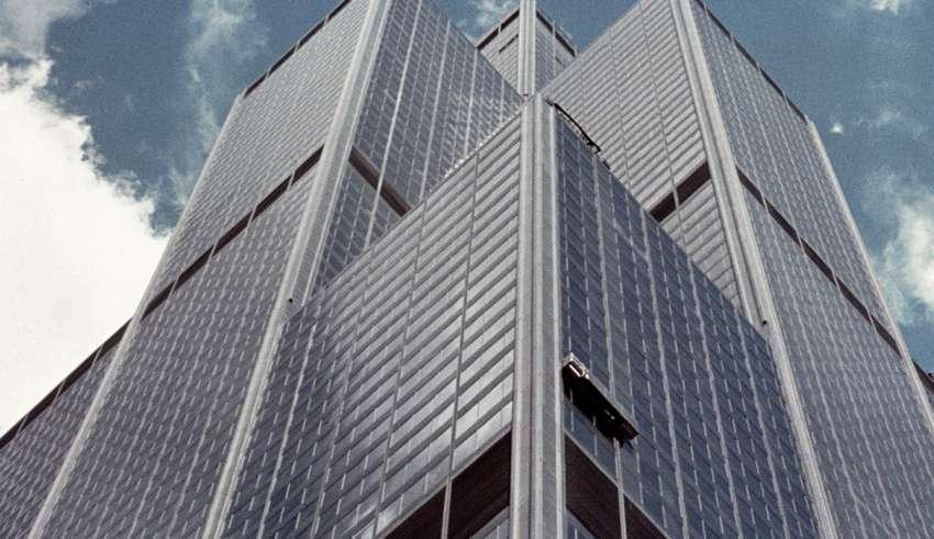 سلولهای خورشیدی در کنار صنعت آسانسور -