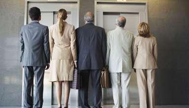 نحوه ایستادن در آسانسور -